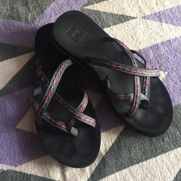 a649acc66 Teva Olowahu Criss Cross Sandals-8. M 5c54cf684ab6331d2db84705